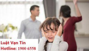 Con cái không có quyền ngăn cản cha mẹ ly hôn